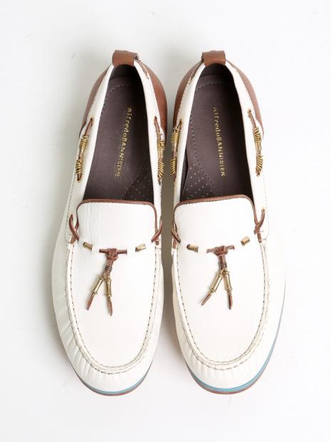 巴宝莉鞋子2014图片